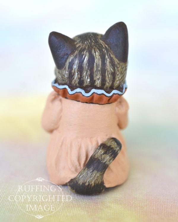 Bernie and Bess, miniature Maine Coon cat art dolls, handmade original, one-of-a-kind kittens by artist Max Bailey