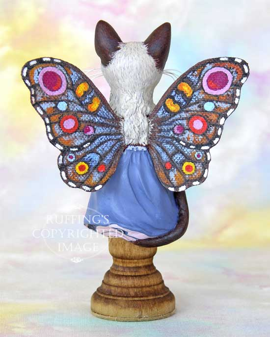 Crystal the Siamese pixie kitten figurine by Max Bailey