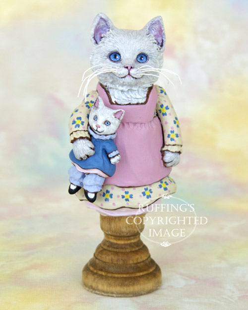 Jessie and Jeannie, original white kitten figurine by Max Bailey